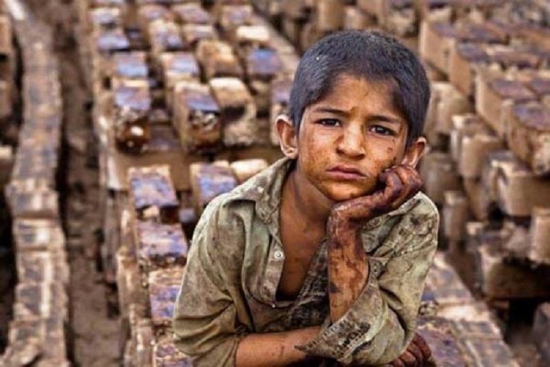 دست سودجویان بر سر کودکان کار/کودکانی که قربانی بیتوجهی میشوند