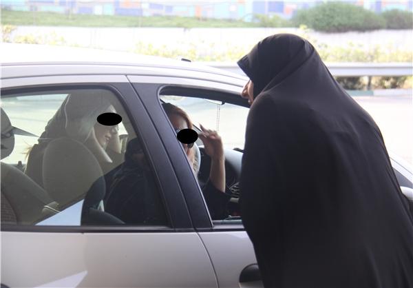 برخورد پلیس با کشف حجاب در خودروها