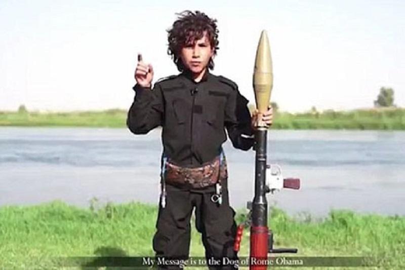 ابوبکر البغدادی فرار کرد/ نوجوان داعشی: اوباما! گردنت را میزنم+ تصاویر