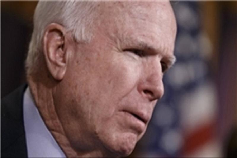 مککین: باید مخالفان سوری را به موشکهای استینگر مجهز کرد