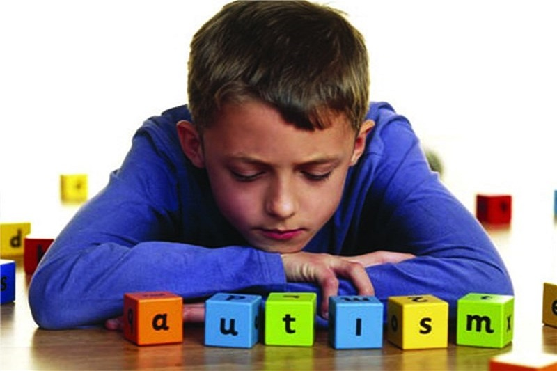 کشف چرایی ترس اوتیسمیها از نور شدید چراغها