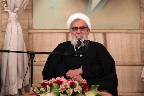 اجازه یک وجب نفوذ به خاک ایران را نمیدهیم/رجال سیاسی دنیا در اظهاراتشان قدری تأمل کنند