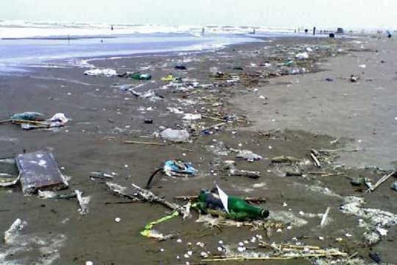 سطح آب دریای خزر ۳۰ سانتی متر کاهش یافته است