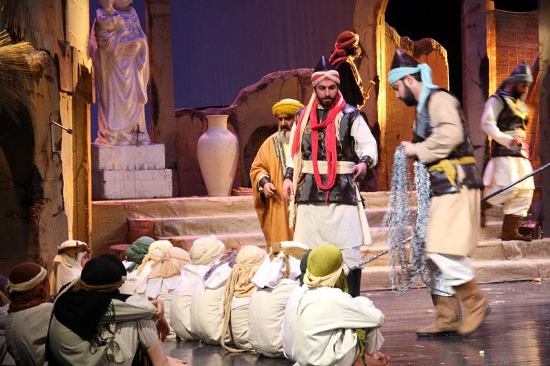 15 شب اجرا در برج میلاد برای یک نمایش آیینی 25 ساله/ گفتگوی بین ادیان در یک تئاتر!