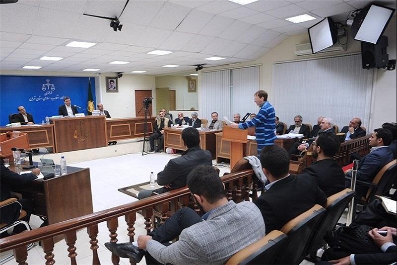پخش سوغات کربلا در دادگاه بابک زنجانی