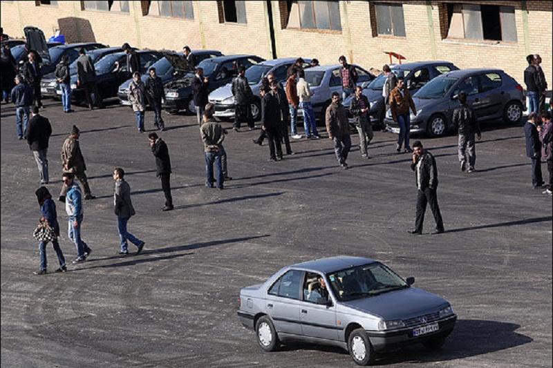 خرید و فروش وکالتی خودروهای وامدار رونق گرفت