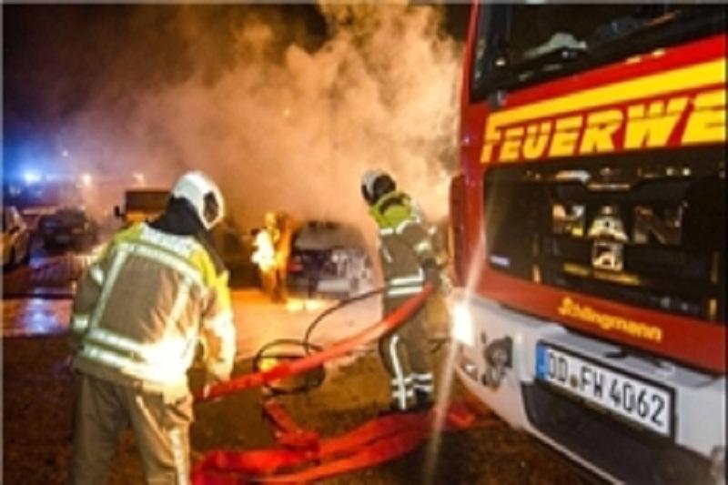 آتشسوزی گسترده در سوله ۲ هزار متر مربعی