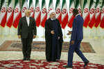 Rouhani meets foreign ambassadors, heads of delegations to Iran