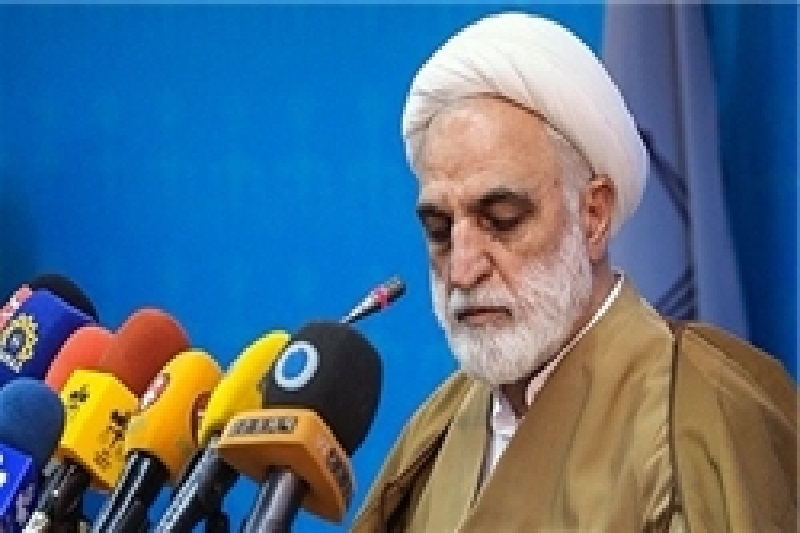براساس گزارشها وانتی پر از بنر با محتوای غیرقانونی در ۲۲ بهمن توقیف شده است/ قوه قضاییه گزارشهای مجلس را پیگیری میکند