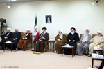 Leader receives Assembly of Experts members