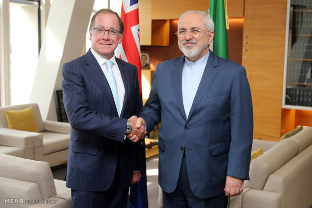 FM Zarif confers with NZ counterpart