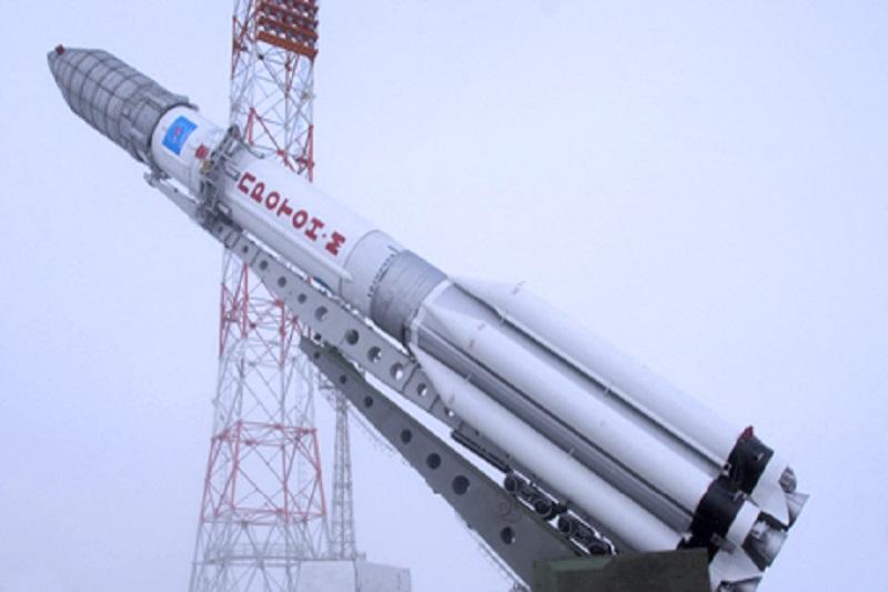 پرتاب آزمایشی ماهوارهبر سیمرغ در اوایل سال ۹۵/ «سیمرغ» بهمن سال آینده با ماهواره به فضا میرود