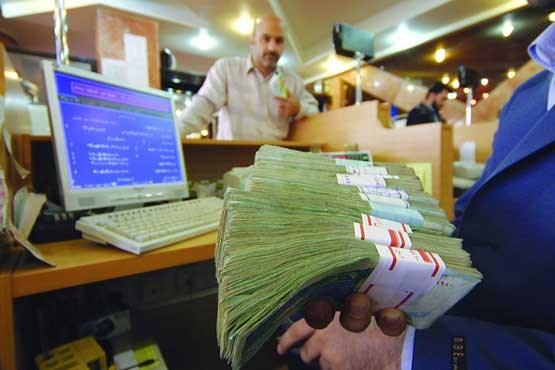سال 94 و ماجراهای نرخ سود بانکی/ اشتباه احمدینژاد و روحانی در بازی با نرخ سود/ عدم آمادگی زیرساخت اقتصادی برای برنامهریزی مردم