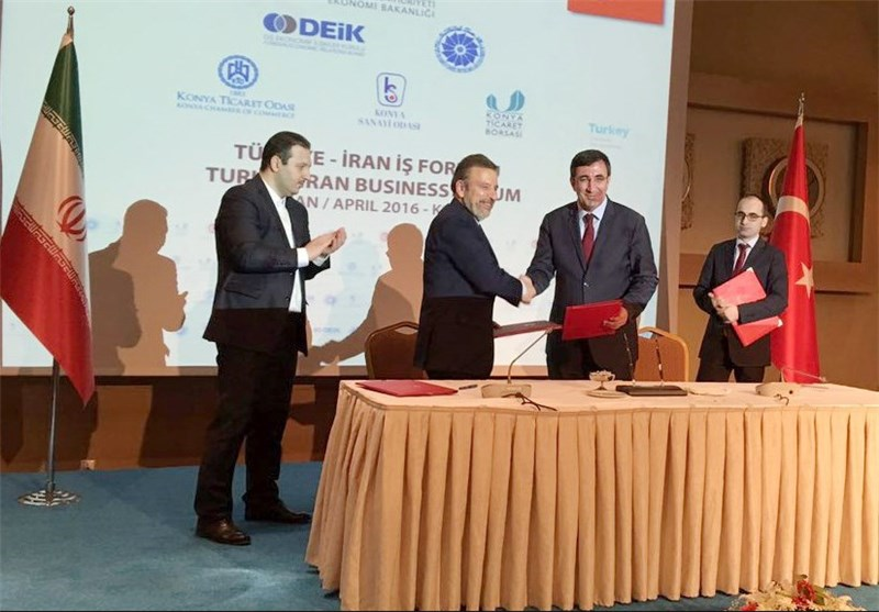 ایران و ترکیه سه سند بانکی و بازرگانی امضا کردند