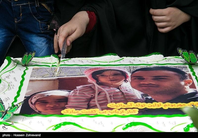 تولد غریبانهای که دختران برای پدر شهید مدافع حرمشان گرفتند + عکس