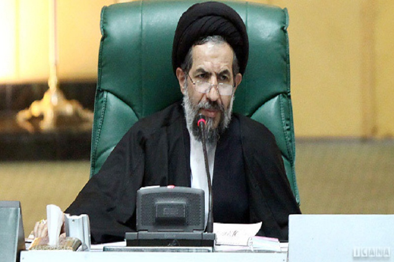زیاده خواهیهای آمریکا برای شکستن عزت ملت ایران است/وحدت اسلامی، ضربه بزرگی به سیاستهای آمریکا وارد می کند
