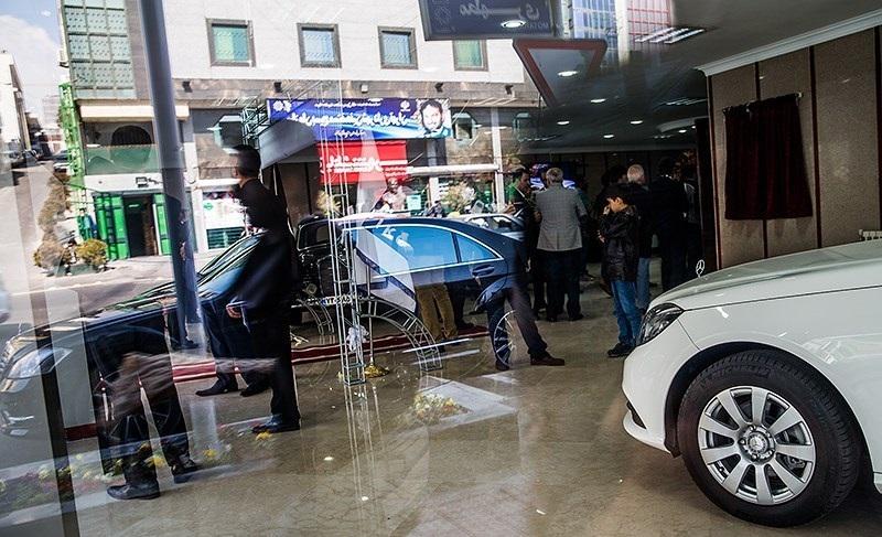 خودروسازان خارجی با اخذ امتیاز آمدند، وگرنه با قیمت دستوری پا پیش نمیگذاشتند