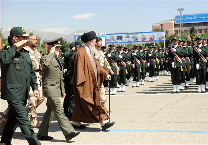 مراسم دانشآموختگی دانشجویان دانشگاه امامحسین(ع) با حضور فرمانده معظم کل قوا