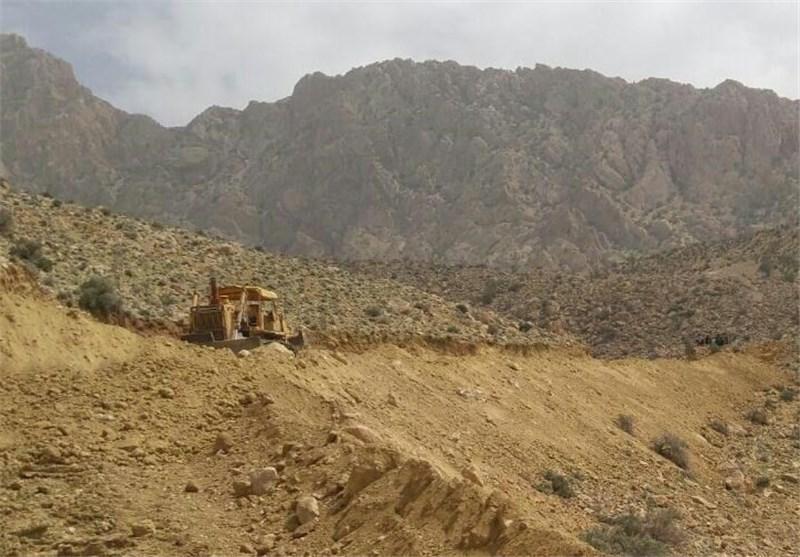 پدیده کوهخواری به ارتفاعات داراب رسید/ چرا مدیران شهر داراب به قوانین قضایی توجهی ندارند؟ + تصاویر