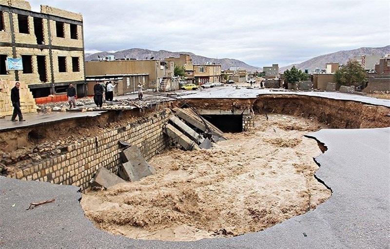 اعتبارات سیلاب ویرانگر سال گذشته هنوز به ایلام نرسیده است/ مردم چشم انتظار کمکهای دولت