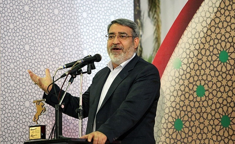دشمنی آمریکا علیه ایران کم نشده/هرگز نباید به آنها اعتماد کنیم/۹۰۰ هزار میلیارد تومان نقدینگی داریم/همه سرباز مقام معظم رهبری هستیم