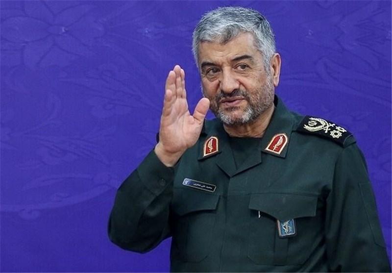قدردانی فرمانده کل سپاه پاسداران از زحمات سرلشکر فیروزآبادی