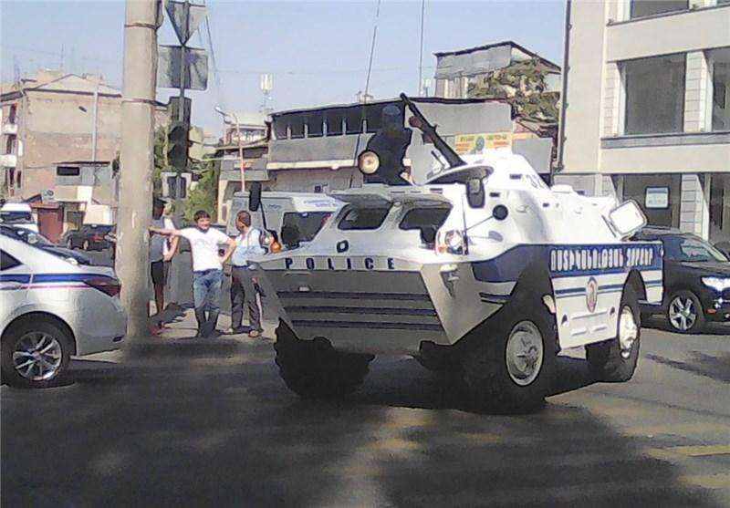 ادامه گروگانگیری در ارمنستان/ مقامات ارشد پلیس ایروان همچنان در بند