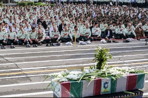 عکس: وداع با پیکر مطهر 3 شهید نیروی انتظامی