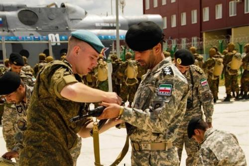 عکس:حضور تکاوران ارتش و سپاه در روسیه