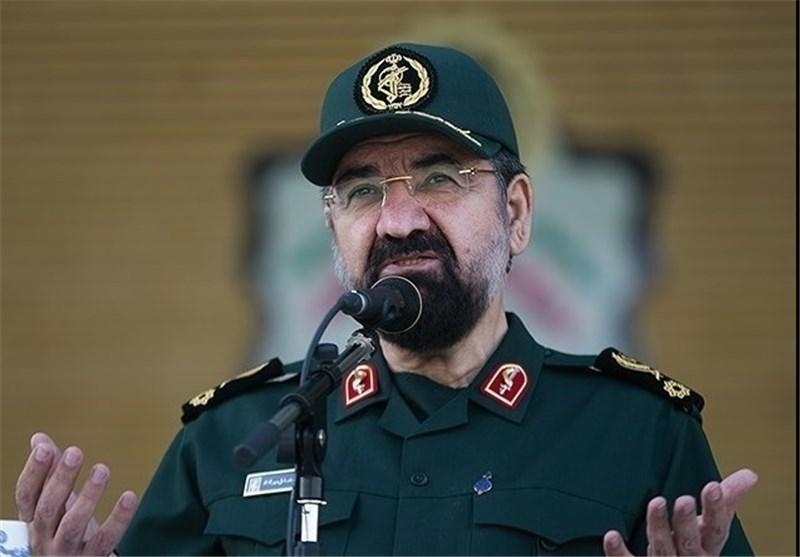 سرلشکر رضایی: هرکس علیه ملت ایران قدم بردارد، قدمهایش را میشکنیم
