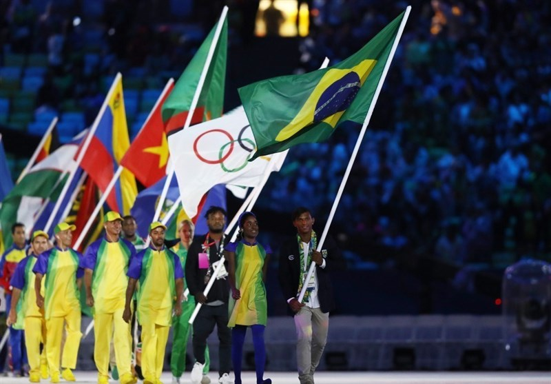 برگزاری مراسم اختتامیه المپیک ۲۰۱۶/ پخش تصویر کیمیای ایران/ پرچم المپیک تحویل ژاپنیها و مشعل خاموش شد