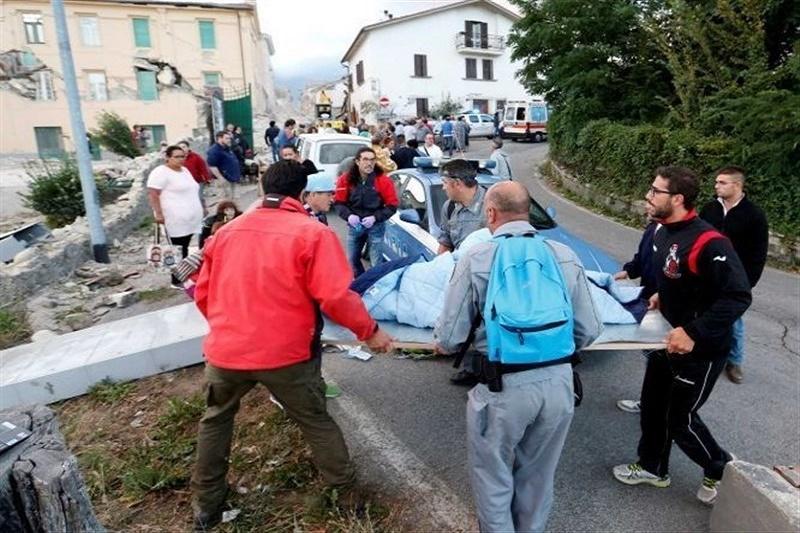 عکس: افزایش شمار جانباختگان زلزله ایتالیا