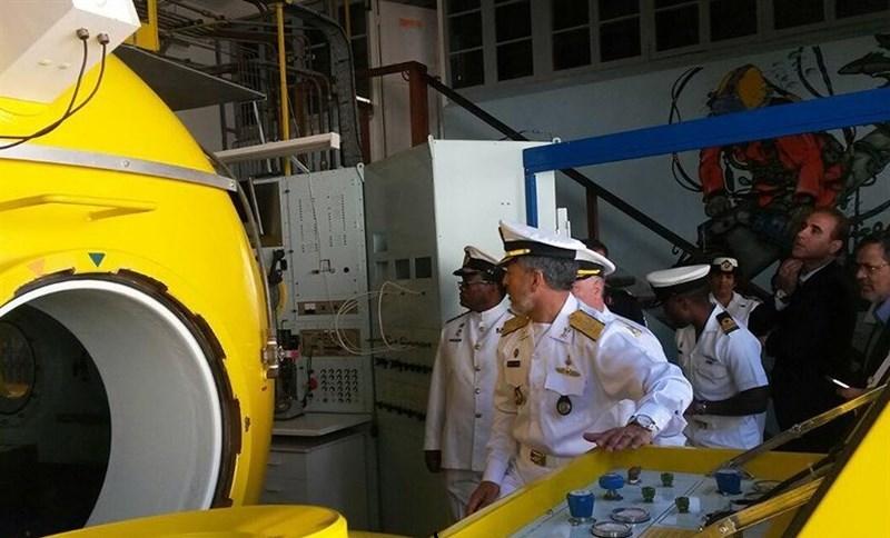 بازدید دریادار سیاری از ناوشکنها و زیردریاییها ارتش آفریقای جنوبی + تصاویر