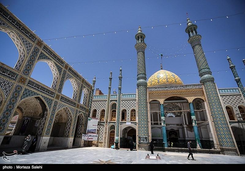 """برگزاری مراسم """"جمعه نشلجیها"""" بدون حضور خانوادههای ایثارگران و شهدا/ تبدیل مراسم مذهبی به """"میتینگ سیاسی"""""""
