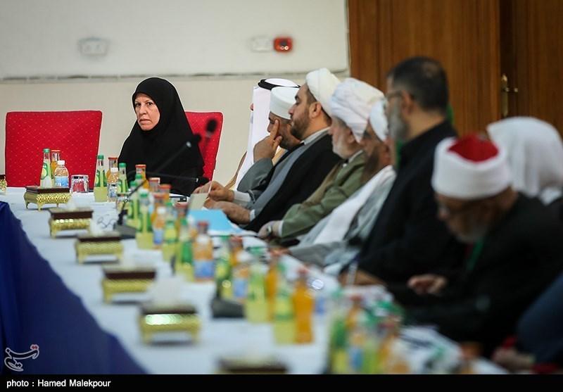 امام خامنهای پرچمدار بیداری اسلامی در مقابل دشمنان اسلام