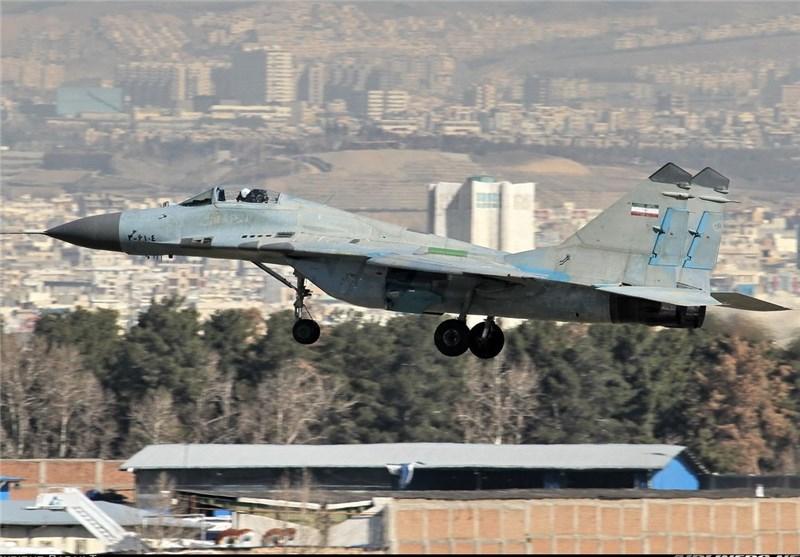 خودکفایی ایران در ساخت قطعات هواپیماهای نظامی/سیاست دولت خرید ماهواره از خارج است نه تولید در داخل