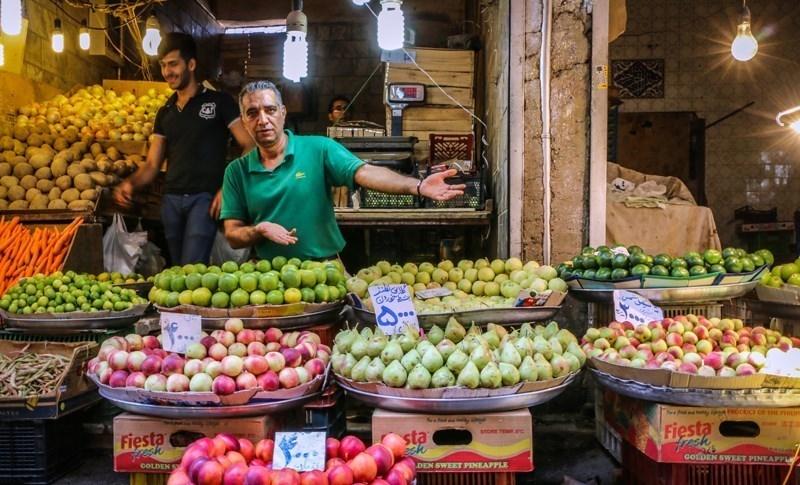 قیمت میوه در آستانه شب یلدا/هندوانه ۱۲۰۰ و انار ۳۵۰۰ تومان در میدان بزرگ میوه