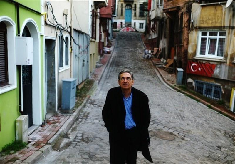 انتقاد اورهان پاموک از نبود آزادی بیان و بازداشت نویسندگان در ترکیه