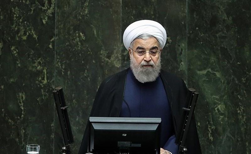 خاک ایران با لنج به کشورهای حاشیه خلیج فارس میرود