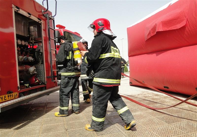 نجات ۱۳۰ ساکن یک ساختمان گرفتار شده در دود