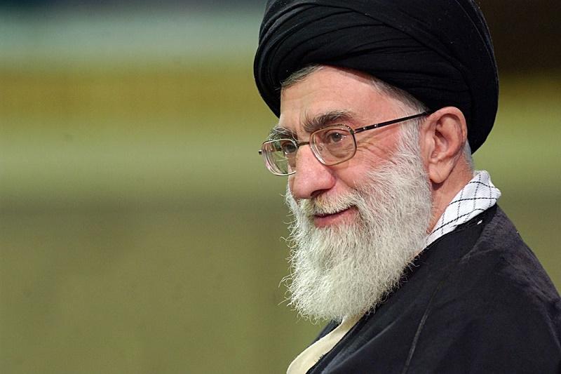جمعی از نخبگان و اساتید دانشگاه شریف با رهبر انقلاب اسلامی دیدار کردند