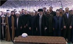 پیکر آیتالله هاشمی رفسنجانی وارد حرم امام راحل شد + عکس