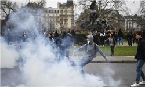 نیروهای امنیتی فرانسه با بازداشت و سرکوب، پاسخ معترضان را دادند