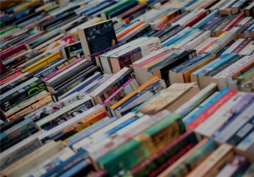 معضل قاچاق کتاب چگونه حل میشود؟