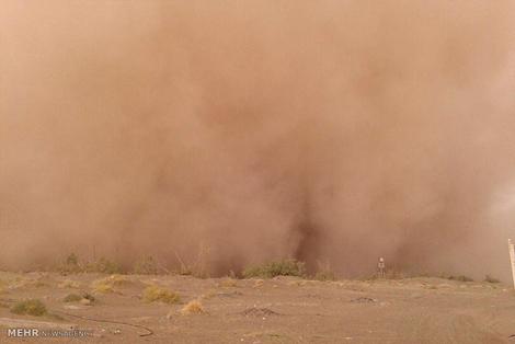 (تصاویر) توفان شن در ریگان کرمان