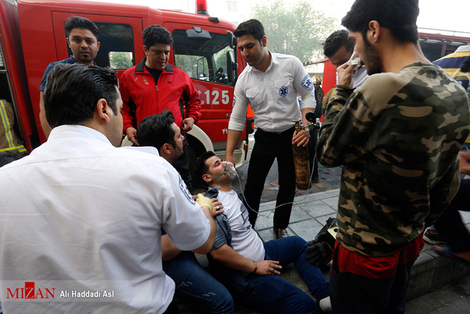 (تصاویر) آتش سوزی در پاساژ مهستان تهران