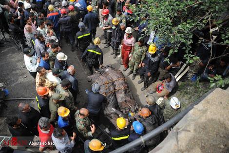 تصاویر/کشف ۱۳ جسد دیگر از تونل معدن آزادشهر
