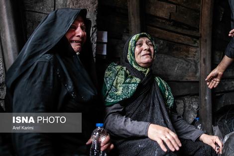 (تصاویر) شیون مادران داغدار در محل ریزش معدن