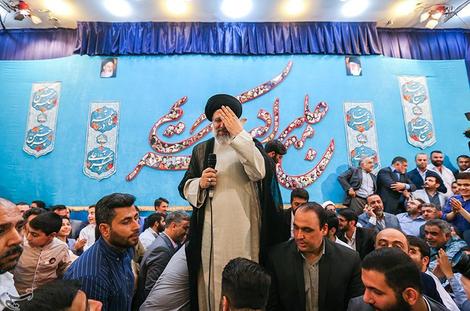 (تصاویر) حضور رئیسی در مراسم سعید حدادیان
