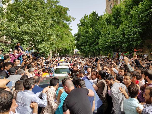 تصاویر:استقبال پرشور کرجیها از رئیسی